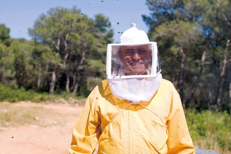 養蜂家ロセンド・マルガレフ氏